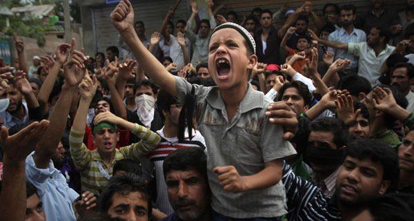 لہو لہو مسلمان کشمیری