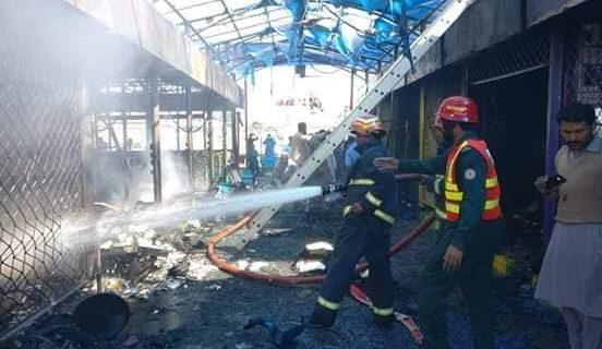 لودھراں ماڈل بازار میں آگ بھڑک اٹھی