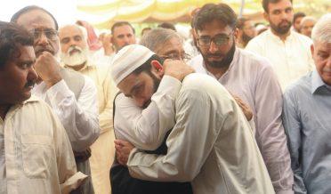 امیر جماعت اسلامی ڈاکٹر سید وسیم اختر کو سپرد خاک کر دیا گیا