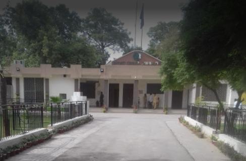 حفاظتی انتظامات سے پہلے زائرین کو نہیں لائیں گے، کمشنر بہاولپور کا حلف